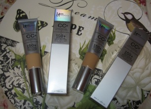 CC+ Your Skin But Better Cream in Medium (left) and Tan (right), packaging included (© skinandcolors.com)