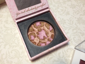 Too Faced Pink Leopard  © skinandcolors.com