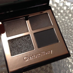 Charlotte Tilbury The Rock Chic Palette © skinandcolors.com